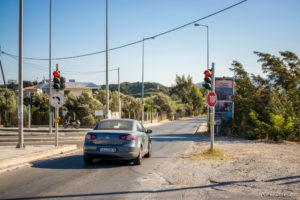 Griechischer Verkehr - Auf dem Foto nicht zu sehen: Das Auto war bei voller Fahrt