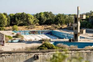 Ruinen eines Freibads