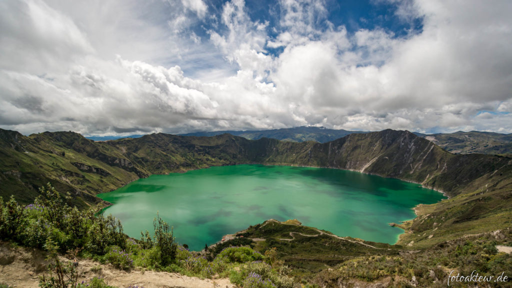Quilotoa mit grünem Kratersee