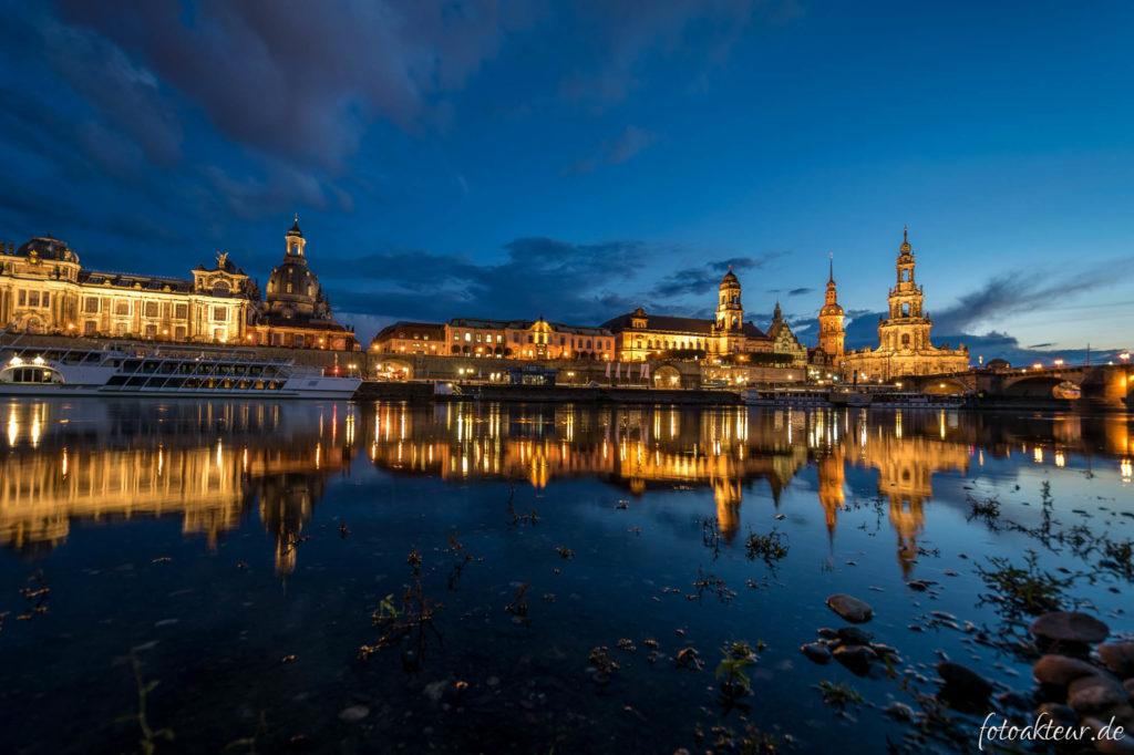 Die Altstadt von Dresden zur blauen Stunde